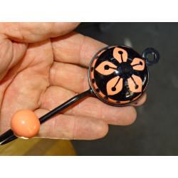 Cubierta follaje bordado gris 40x40 cm