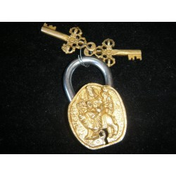 Candado de bronce shiva oro