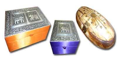 Cajas indias, hueso, madera, hierro
